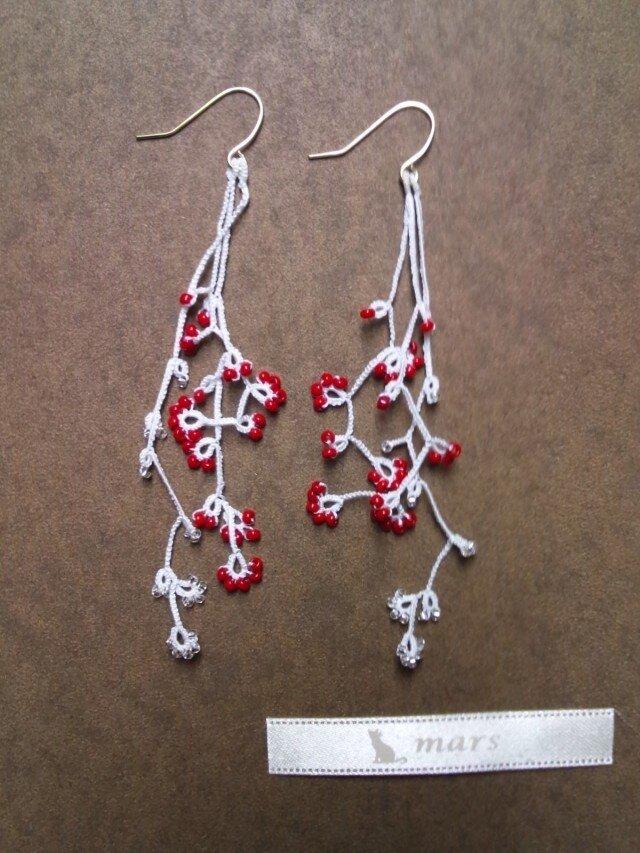 絹糸の枝のピアス whiteの画像1枚目