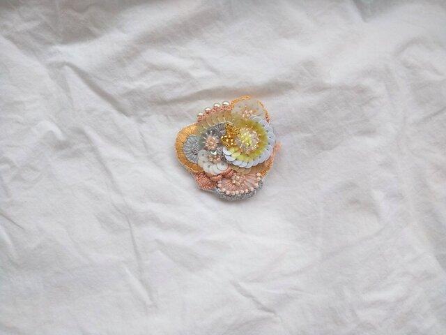 刺繍ブローチ ヒカリの織り物の画像1枚目