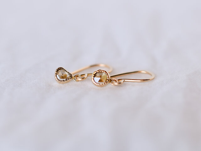 Fragment Diamond Earrings Cinnamonの画像1枚目