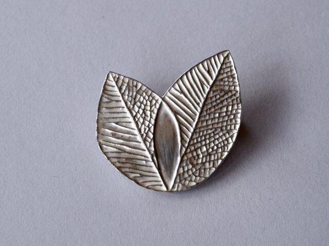 ブローチ(銀彩) 木の葉-2の画像1枚目