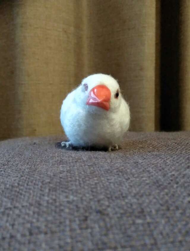 [再販]asae** 文鳥グッズ(羊毛フェルト)おすわり白文鳥の画像1枚目
