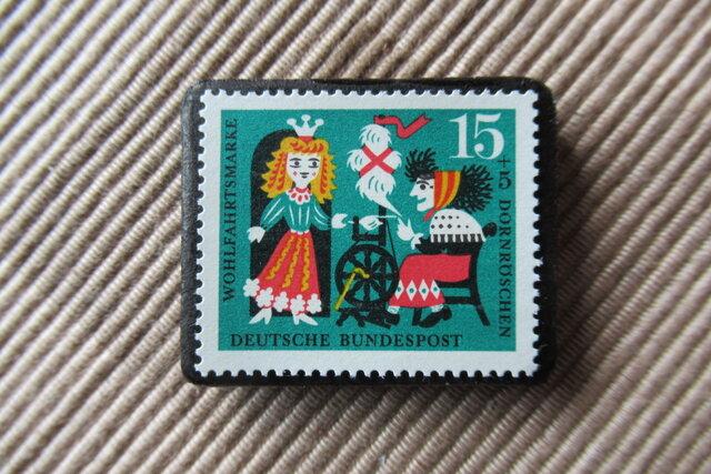 ドイツ 童話 いばら姫 切手ブローチ6407の画像1枚目