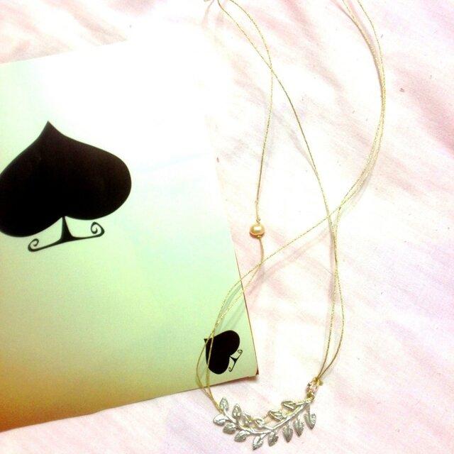銀のリーフ☆ネックレスの画像1枚目