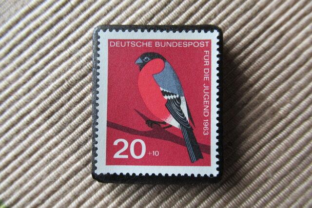 ドイツ  鳥 切手ブローチ6429の画像1枚目