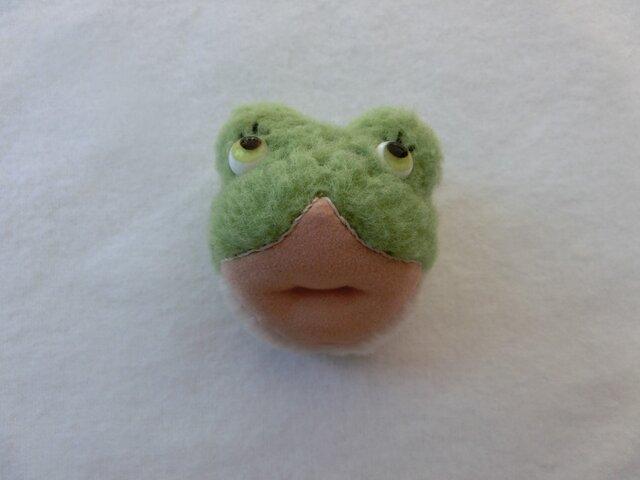 カエルのkaon(ブローチ)の画像1枚目