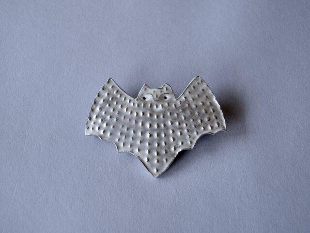 ブローチ(銀彩) コウモリ-1の画像1枚目
