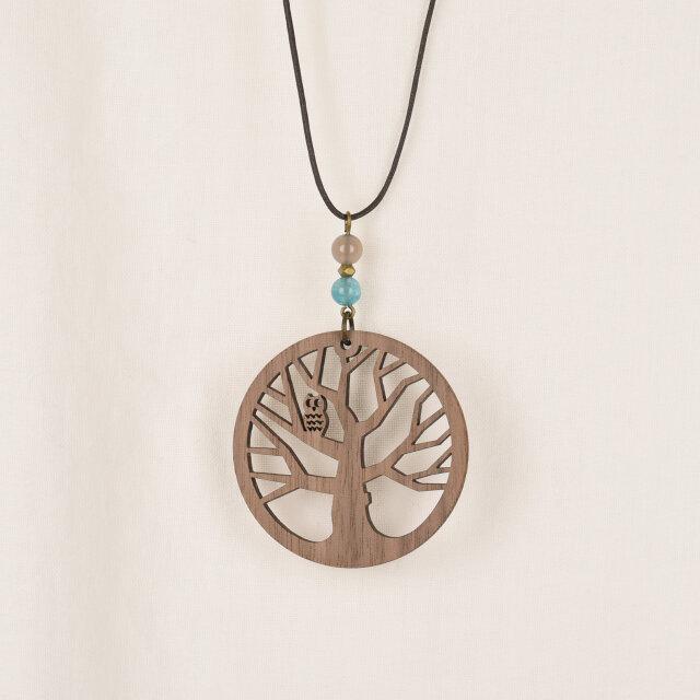杜のフクロウのネックレス クルミの木のアクセサリーの画像1枚目