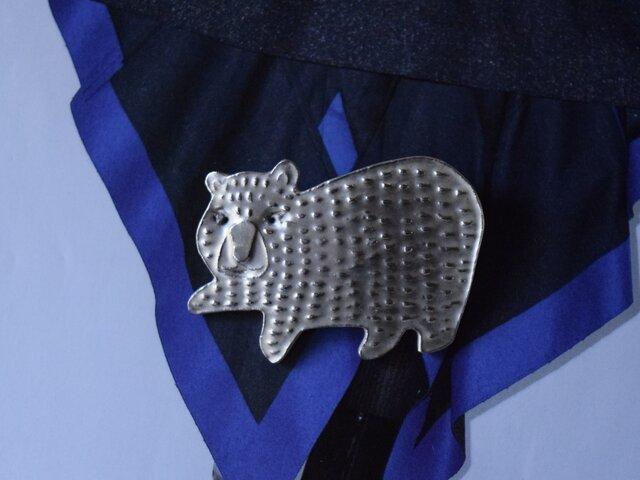 ブローチ(銀彩) クマ-1の画像1枚目