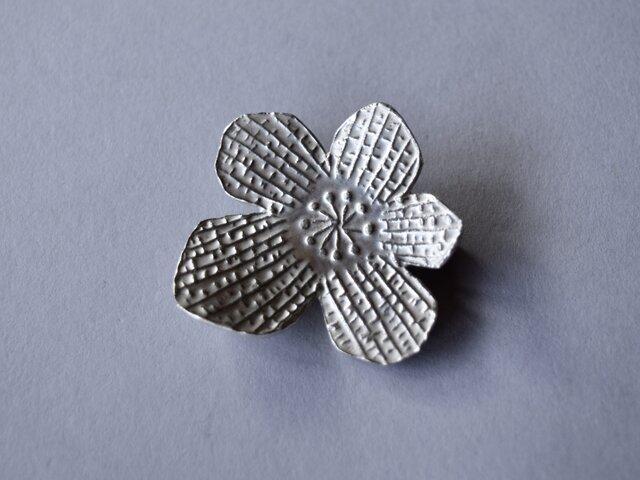 ブローチ(銀彩) 花-13の画像1枚目