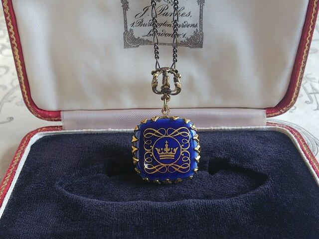 Denmarkヴィンテージ ティアラ・Ribbon/NavyBlue-Square 真鍮古美 ネックレスの画像1枚目