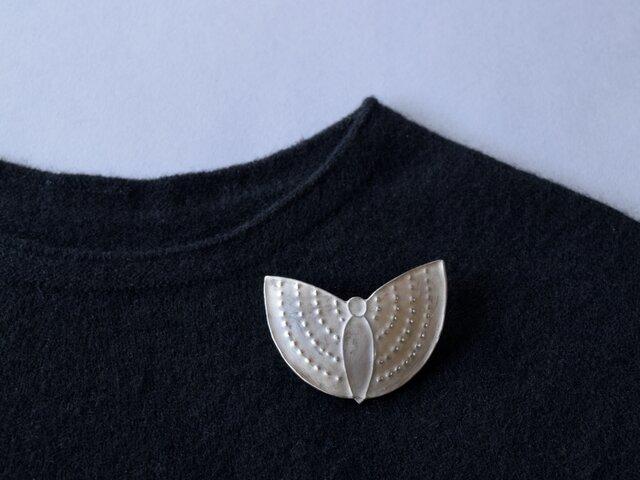 ブローチ(銀彩) 蝶-5の画像1枚目