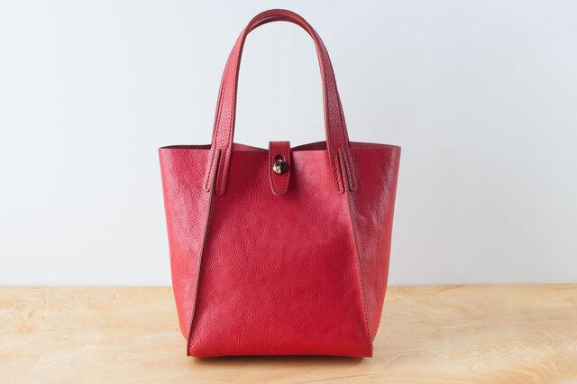 日本製牛革手縫いのボタントートバッグ  /  レッドの画像1枚目