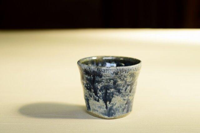 流れる模様のカップ iFw-018の画像1枚目