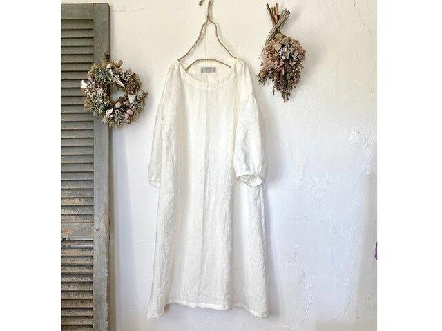 ふわり袖シンプルワンピース / 白(ベルギーリネン)の画像1枚目