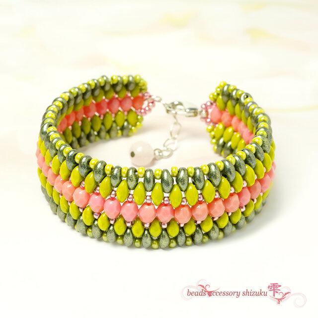 エスニック風ブレスレット*Pink&Greenの画像1枚目