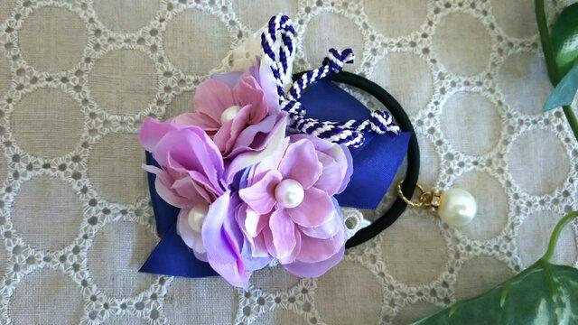 紫陽花とパールのヘアーゴムの画像1枚目