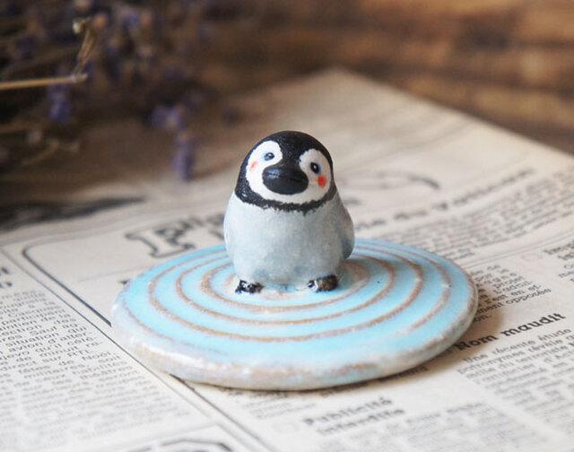 陶器【水面を歩くペンギン】渦巻の画像1枚目