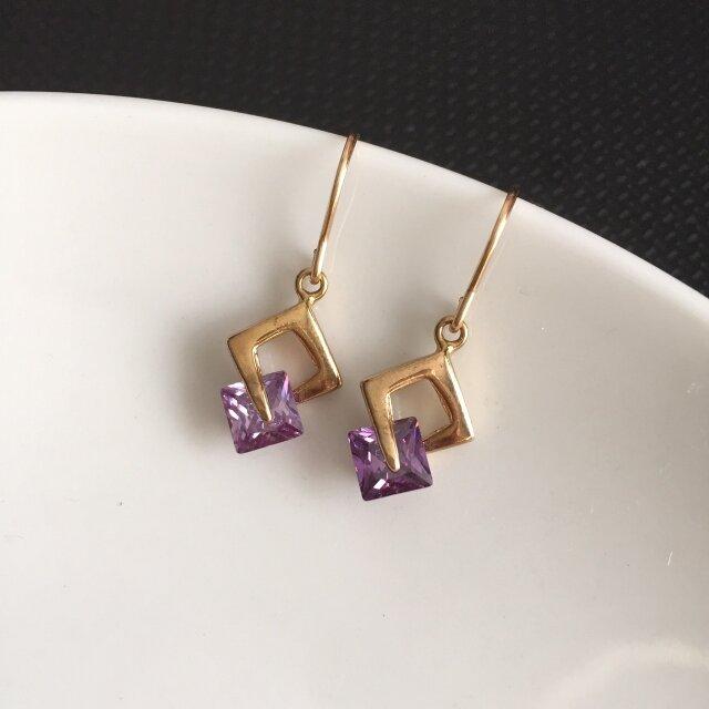<14kgf> square earrings - violetの画像1枚目