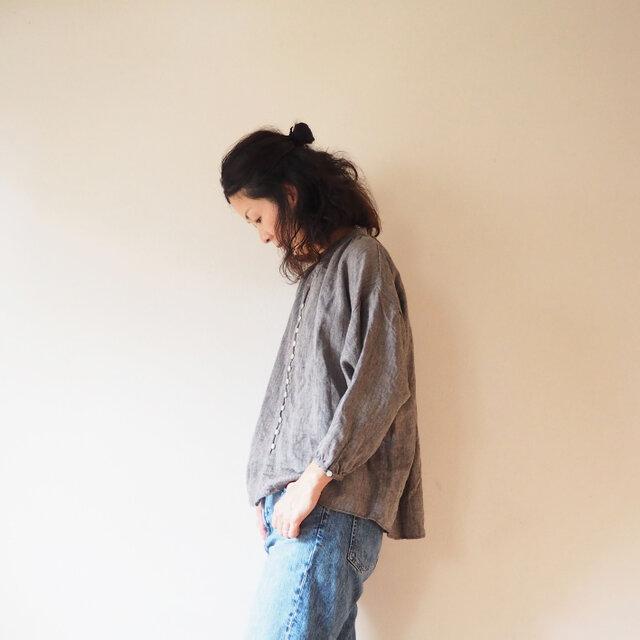 Linen herringbone button blouseの画像1枚目
