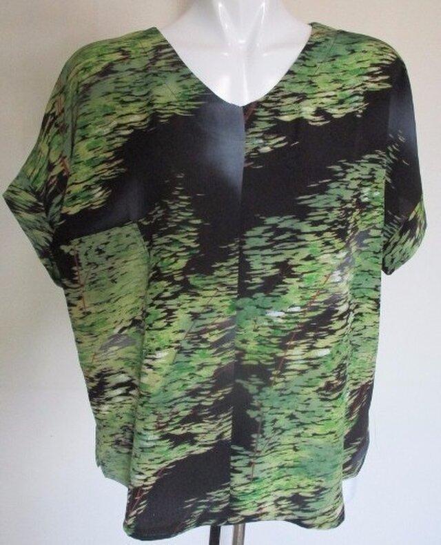 5104 縮緬の着物で作ったTシャツ #送料無料の画像1枚目