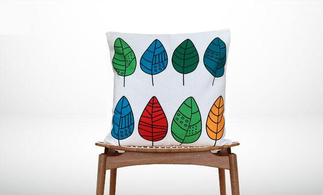 森のクッション Colorful leaves design  -ヒノキの香り-  -の画像1枚目