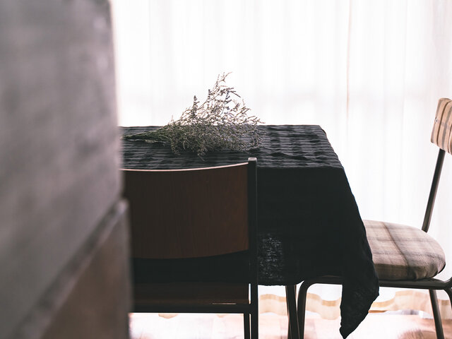 [日本製品染め]リネンテーブルクロス [Size S 130cm×130cm](チェックプラムグレー)teint TE-009Cの画像1枚目