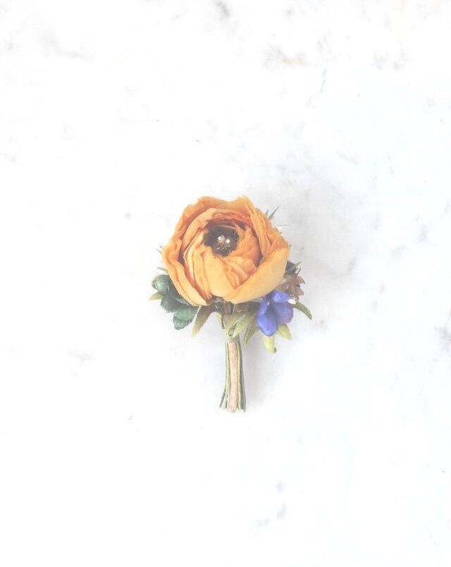 ラナンキュラス 黄色 * 薄絹製 * コサージュの画像1枚目