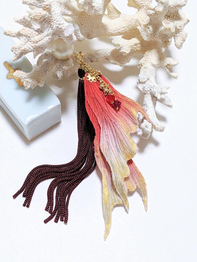 金魚のヒレ ピアス(イヤリング)左耳用の画像1枚目