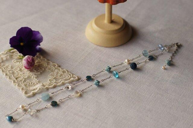 大人可愛いブルーのネックレス N12の画像1枚目