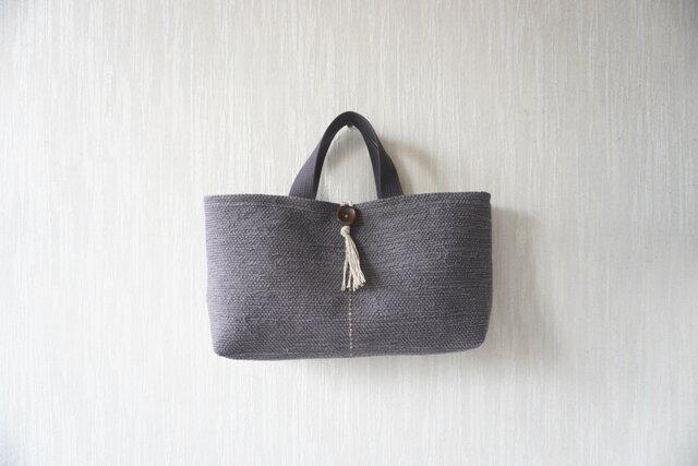 裂き織りのバッグ グレーの画像1枚目
