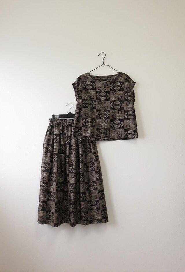 *アンティーク着物*市松模様泥大島紬のセットアップ(Lサイズ・裏地つき・5マルキ)の画像1枚目