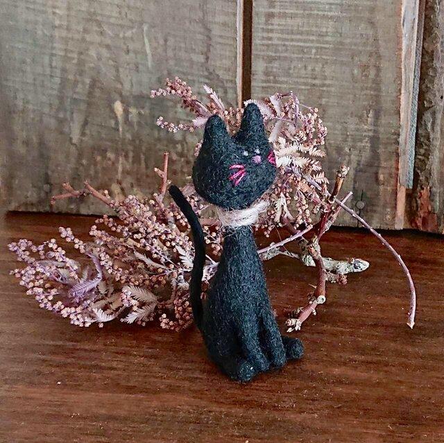 羊毛フェルトの黒ネコの画像1枚目