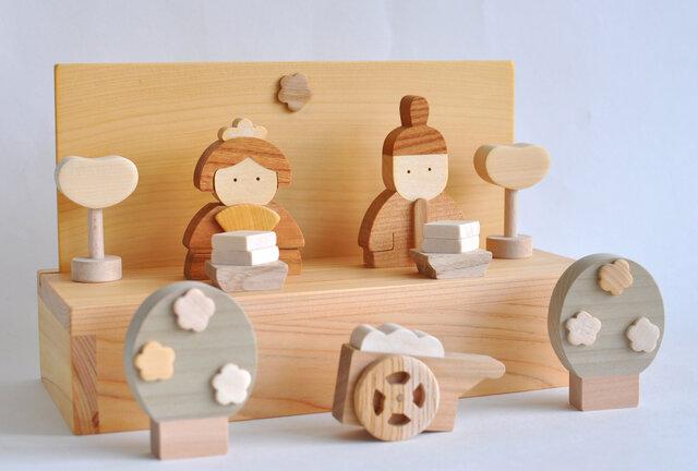 ひな人形 木製の画像1枚目