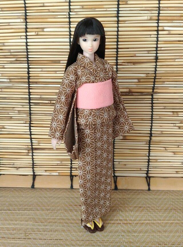 「麻の葉彩る浴衣…栗茶」27cmドール着物の画像1枚目