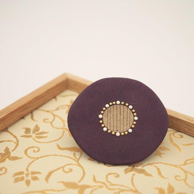 漆塗り花ブローチ「華紫」 秋アクセサリー 冬アクセサリー 和風の画像1枚目