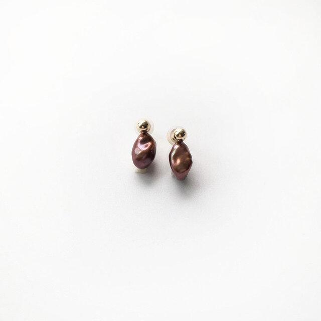 【K14GF】小粒メタリックブラウン系のケシパールピアスの画像1枚目