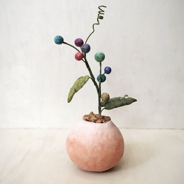 5059.bud 粘土の鉢植え ノブドウの画像1枚目