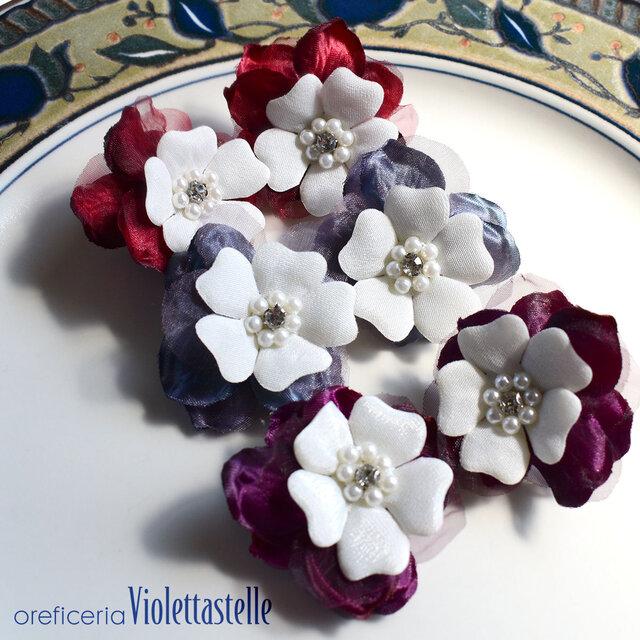 お花のピアス 3色の画像1枚目