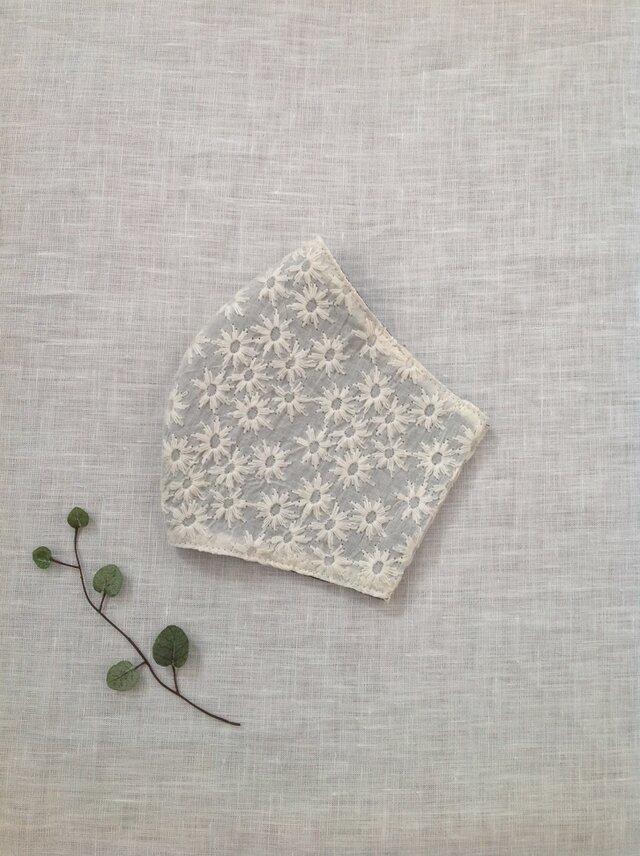 花畑刺繍 ゆったりマスク  * 送料無料 *の画像1枚目