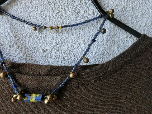 *suzuなネックレス@ベネチアのファンシービーズオールドビーズ+古色カラー宝来鈴+真鍮丸玉チャームの画像1枚目
