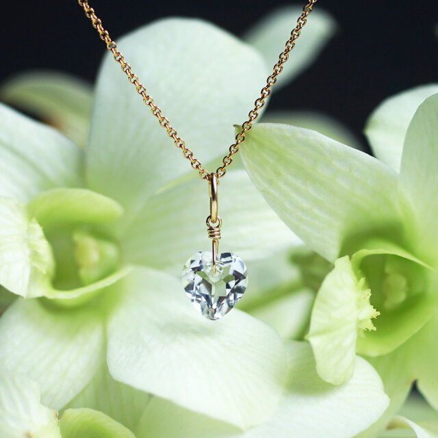 ハートカット水晶の一粒ネックレス ~Silvanaの画像1枚目