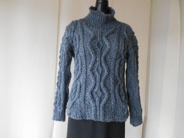 グレーツィードの模様編みセーターの画像1枚目