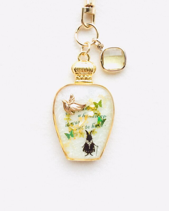 香水瓶キーホルダー 鳥(空に遊ぶ)の画像1枚目