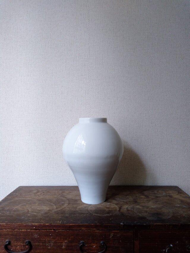 白磁 壺の画像1枚目