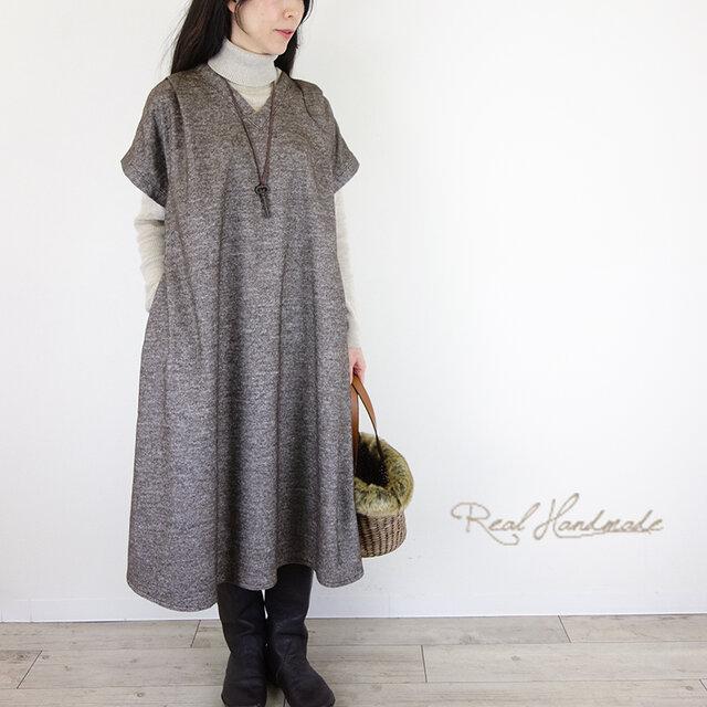 [予約販売]ウールツイードブラウン襟Vタックワンピースの画像1枚目