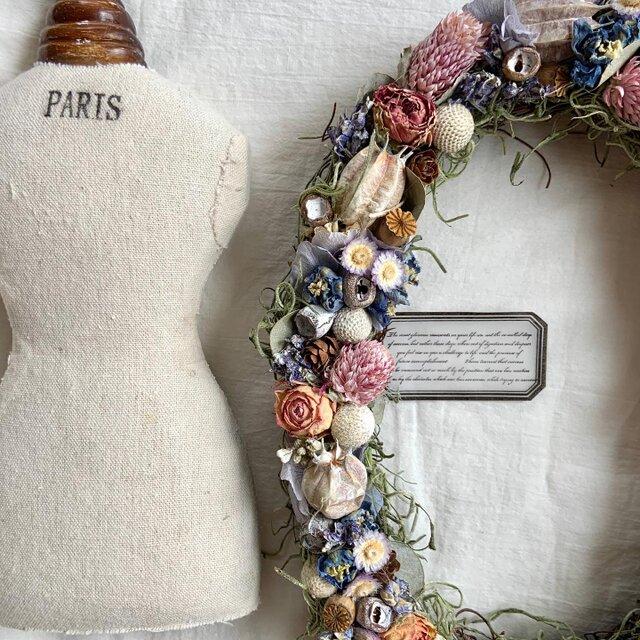 お花と木の実のオーバルリース の画像1枚目