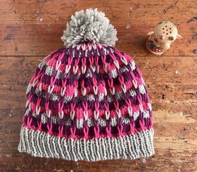 すべり目が可愛いニット帽子の画像1枚目