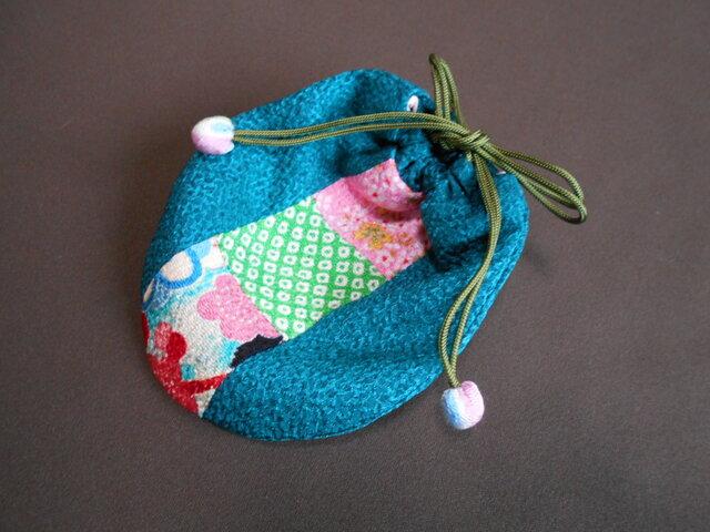 ちりめんパッチのミニ巾着袋/桃緑梅の画像1枚目