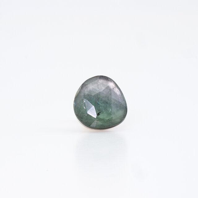 Green tourmaline mirror earring / Singleの画像1枚目