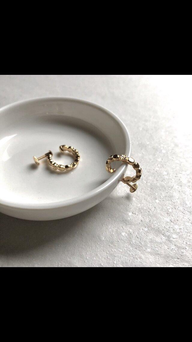 〈Ryutoan〉石畳のイヤリング ゴールドの画像1枚目